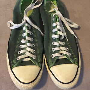 CHUCK TAYLOR CONVERSE ALL STARS GREEN SNEAKERS